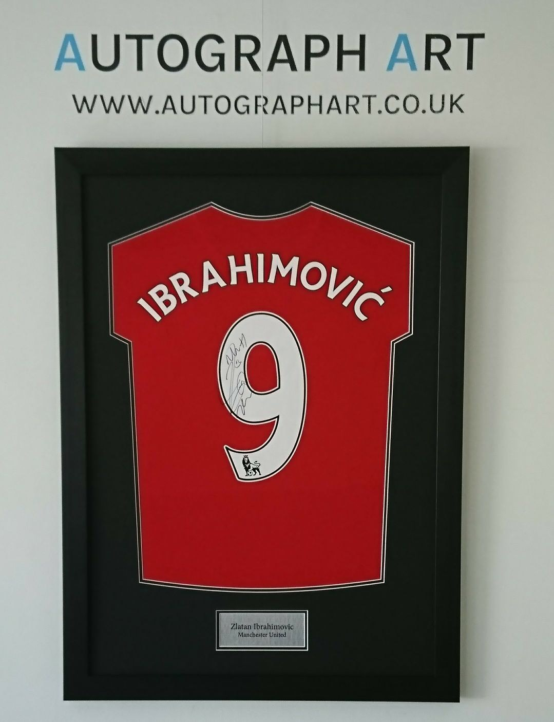half off 9cabd e73f7 Zlatan Ibrahimovic Signed Framed Manchester United Home ...